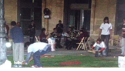Música para amenizar la noche de las Alfombras de Serrín